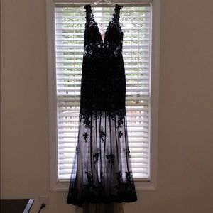 Size 10 navy Sherri Hill dress barely worn